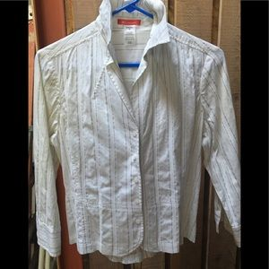 Great little Anne Klein tie back blouse!